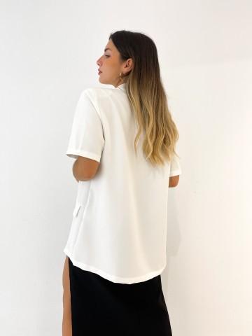 Blazer manga corta blanca