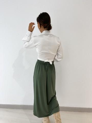 Falda midi fruncida verde