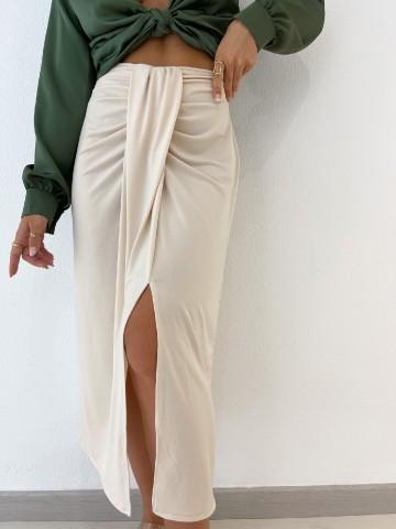 Falda midi fruncida beige