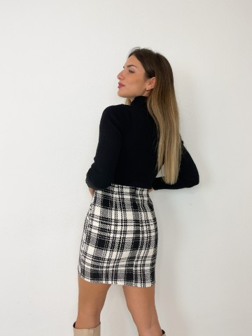 Falda cuadros negra